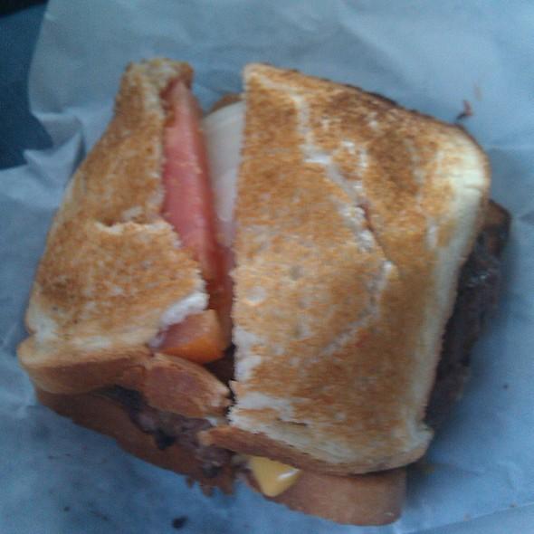Hamburger @ Louis' Lunch
