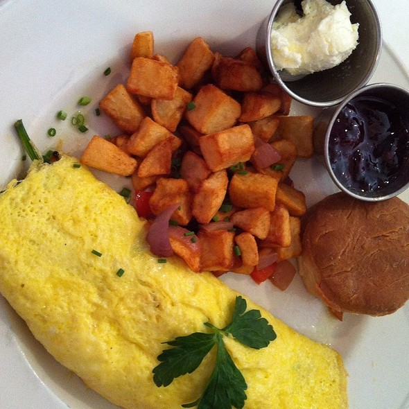 Spinach, Feta And Tomato Omelette With Latkes  @ Cafe Deluxe