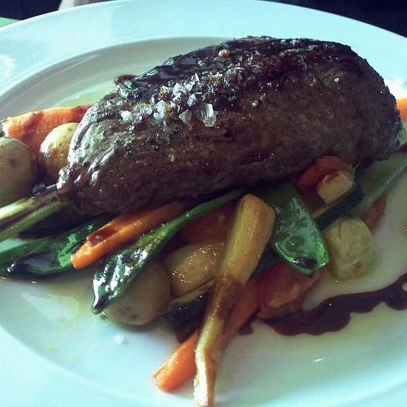 Flank Steak On Seasonal Vegetable @ Restaurace Krystal Mozaika Bistro