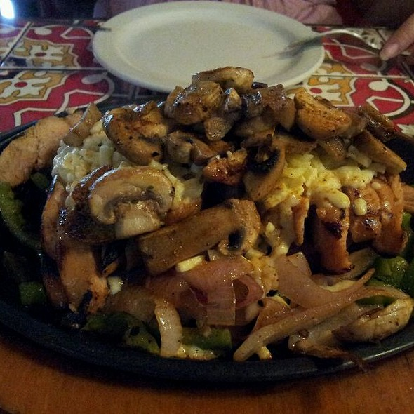 Mushroom Jack Chicken Fajitas @ Chilli's