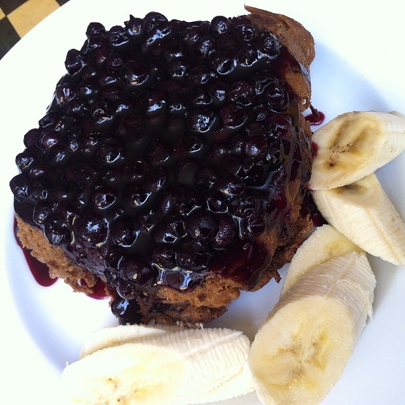 French Toast w/ Seasonal Berries @ Sacred Chow Vegan Bistro