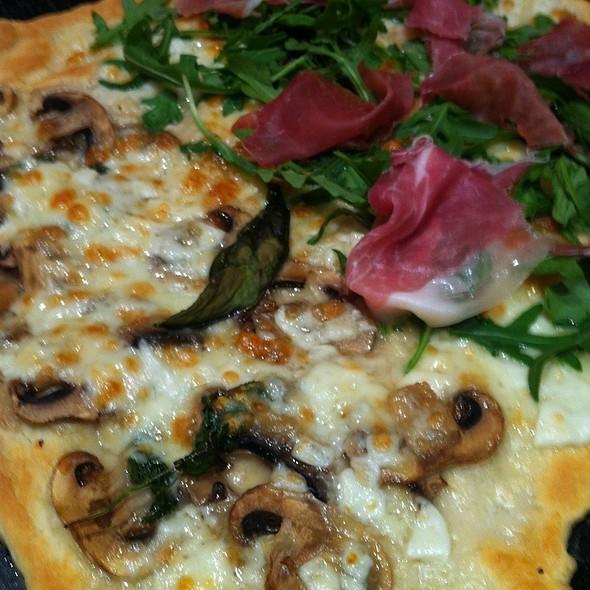 Pizza @ Homemade by Federico