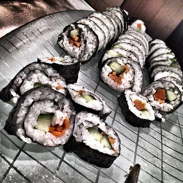delish raw fish #iphoneography #iphoneasia #iphone #instagram #ig #followgram #instagood #instamood #lasvegas @ Wicked Spoon Buffet