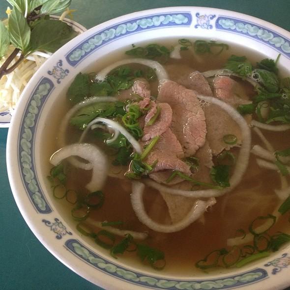 Beef Pho @ pho to chau