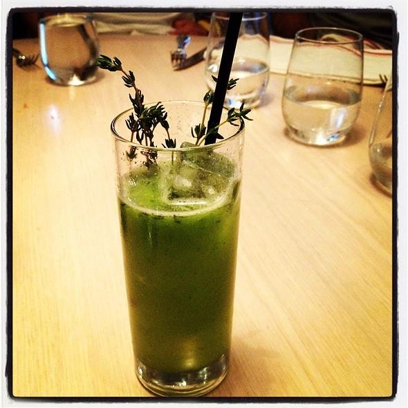 Cucumber Thyme Lemonade @ The Dutch