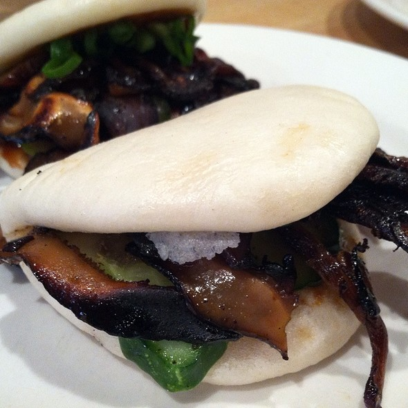Shiitake Mushroom Steamed Buns @ Momofuku Noodle Bar