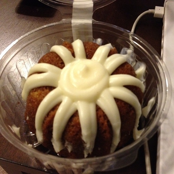 Carrot Bundlet @ Nothing Bundt Cakes