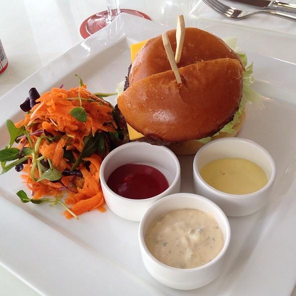 The 'Between' Burger @ Between
