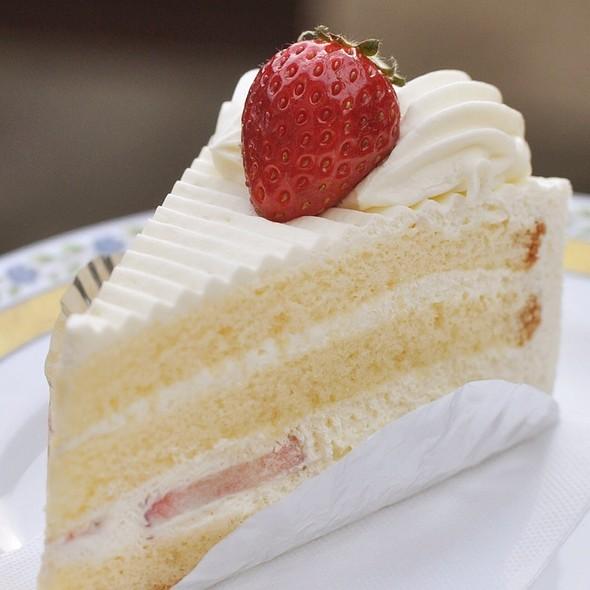 Sponge Cake @ 洋菓子のオランジェ矢向工場直売店