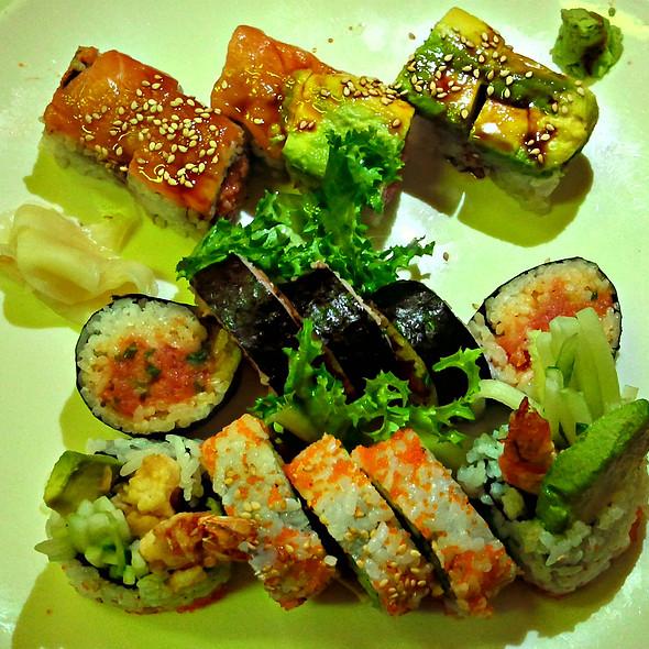 Sushi @ Zen Noodle