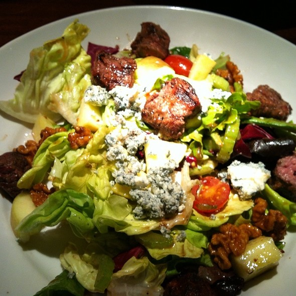 Steak Waldorf Salad @ Ozzie's Fairfax Corner