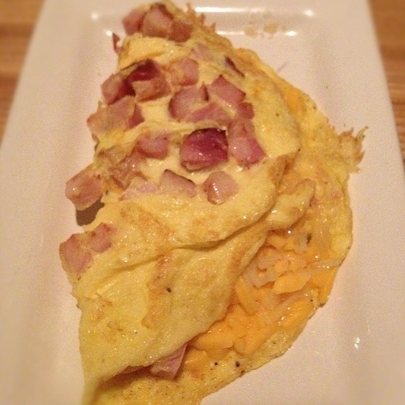 Ham And Cheese Omelette @ Bristol