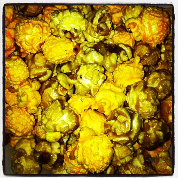 Chicago Mix Popcorn @ Nuts on Clark C Concourse ORD