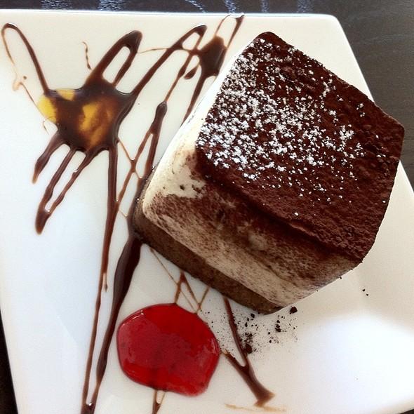 Tiramisu @ La V Cafe