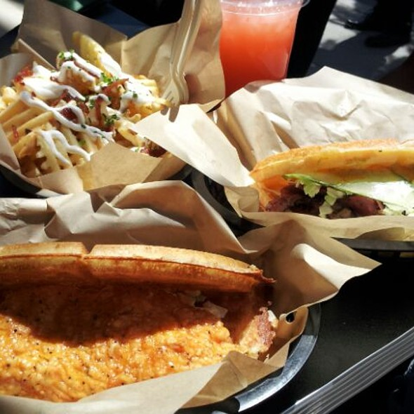 chiken and waffle, hot pastrami, Irish nachos and fresh strawberry lemonade @ Bruxie