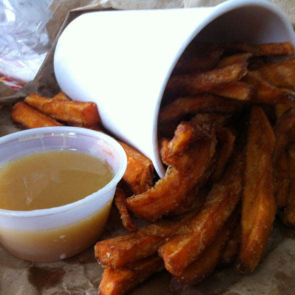 Sweet potato fries @ Schnipper's Quality Kitchen
