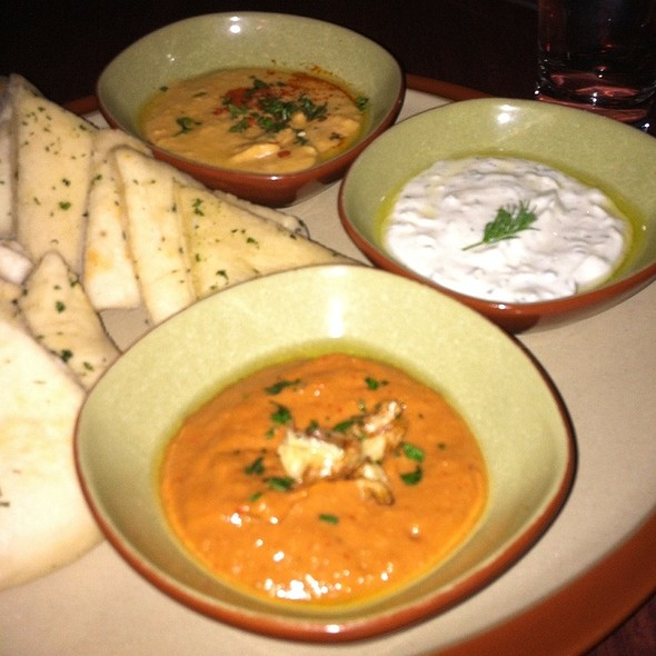 Flat Breads & Dips @ Golden Beetle
