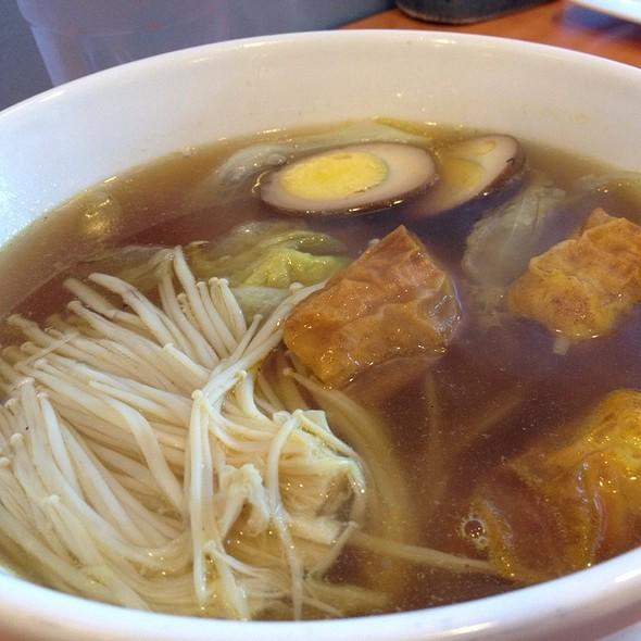 Noodle soup @ Snowflakes