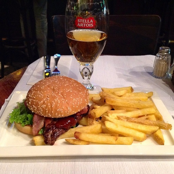 Steak Sandwich With Bacon @ Mr. Pickwick Pub
