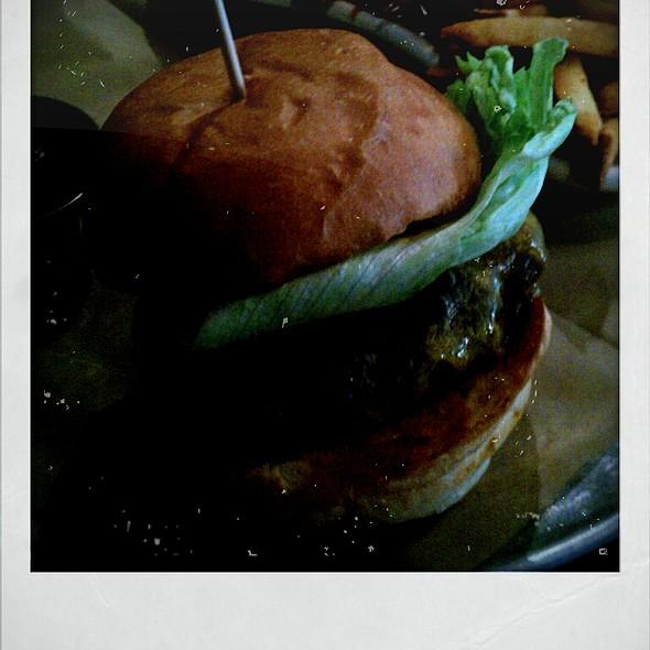 Burger @ Leon's Full Service