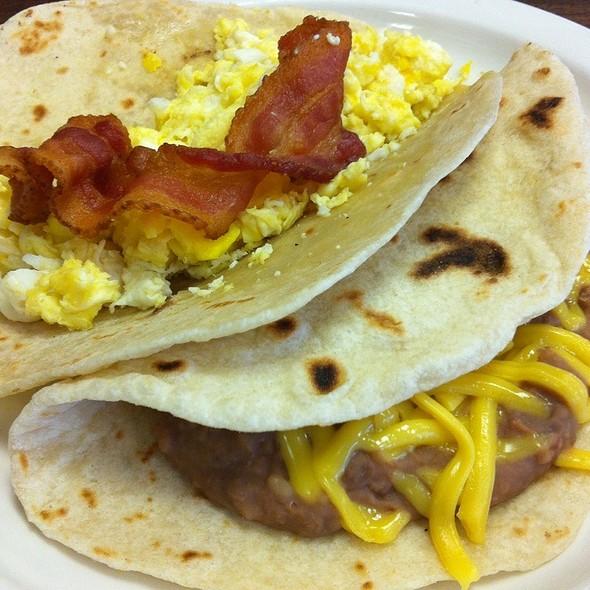 Breakfast Tacos @ Tommy's Restaurant