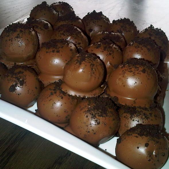 Oreo Truffles @ Home