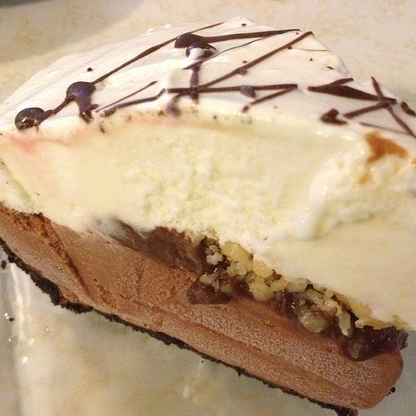 ice cream pie @ Kaimuki Grill