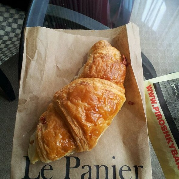 Framboise Croissant @ Le Panier Very French Bakery
