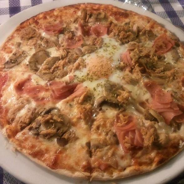 Pizza La Mamma @ Il Commendatore
