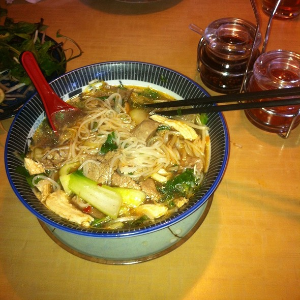 The Snyder Bowl Of Pho!! Amazing!!  @ Noodles Ranch
