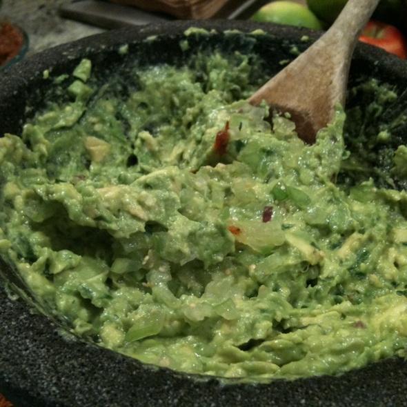 Guacamole @ Oyamel Cocina Mexicana
