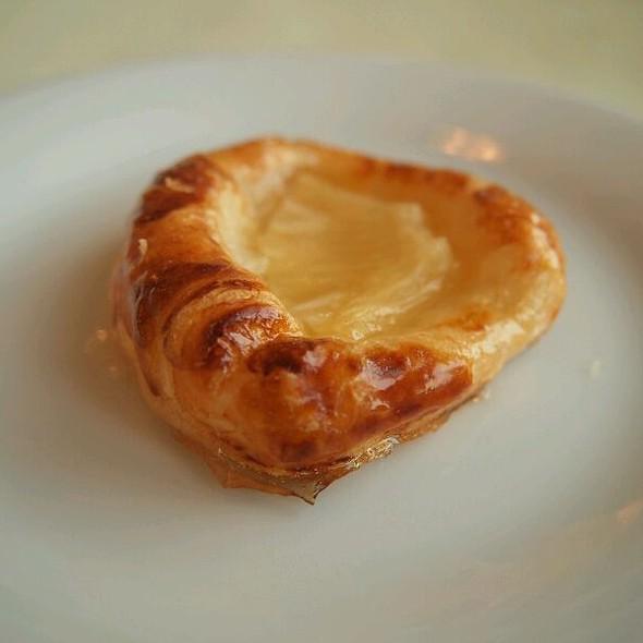 Pineapple Danish Pastry @ WOW Istanbul Hotel
