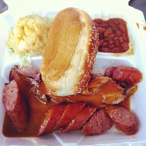 Beef Brisket And Sausage Platter @ Austin-Bergstrom International Airport
