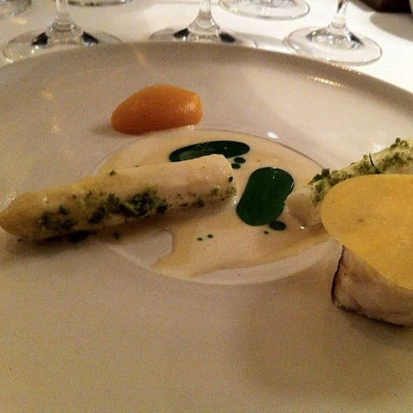 Monkfish Baked For 4H. Hutspot And White Asparagus Baked For 3H With Spruce, Lemon Grass And Mint @ Frantzén/Lindeberg