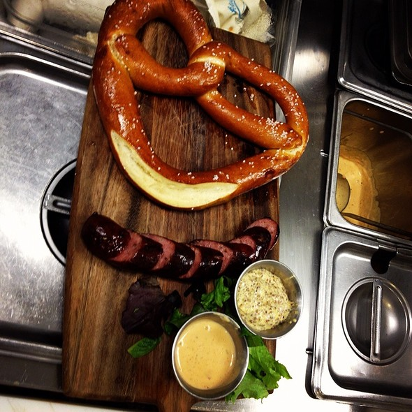 Hot Buttered Pretzel & House Smoked Sausage @ de Vere's Irish Pub