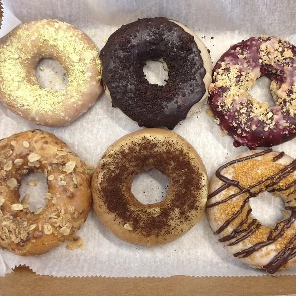 Half Dozen Fancies @ Federal Donuts