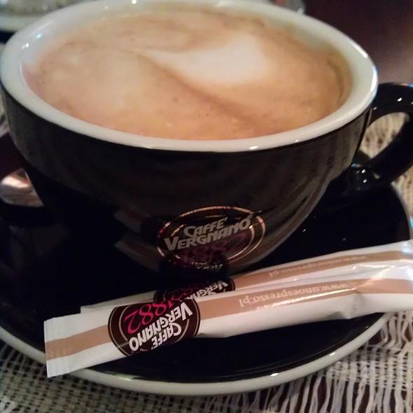 Biala Kava @ Bokeh Cafe