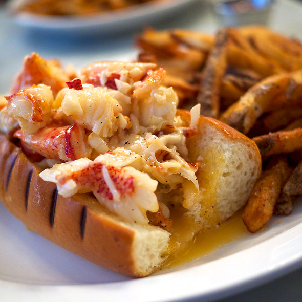 Lobster Roll (Sandwich) @ Neptune Oyster