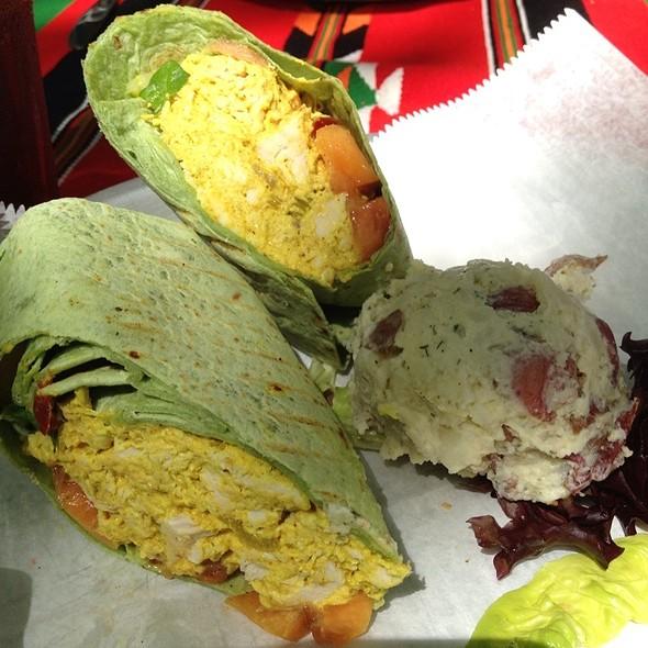 Wrap Chicken Thai Curry @ Cafe Karibo & Karibrew Brew Pub