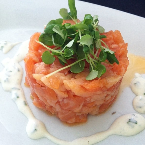 Salmon Tartare - George's in the Grove, Coconut Grove, FL