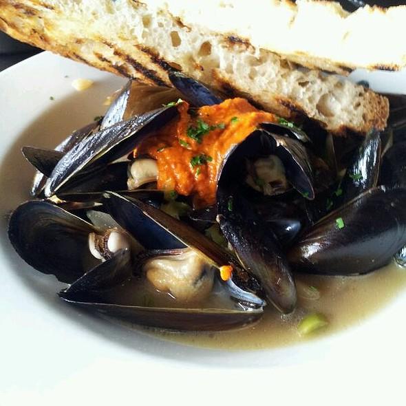 Penn Cove Mussels @ Etta's Seafood