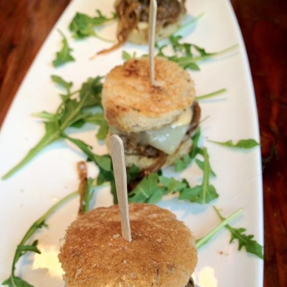 Hamburger Sliders @ Cafeteria 15L