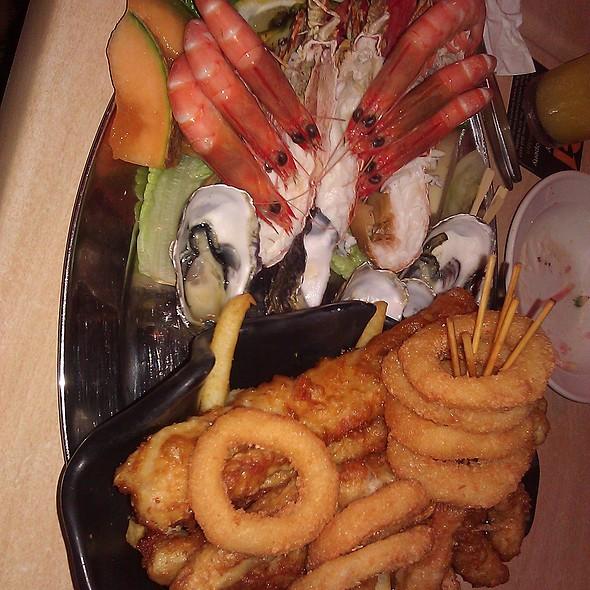 2 Person Seafood Platter @ Mooloolaba Surf Life Club
