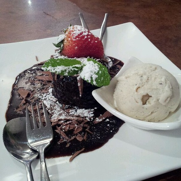 Chocolate pudding @ Maid Of Auckland