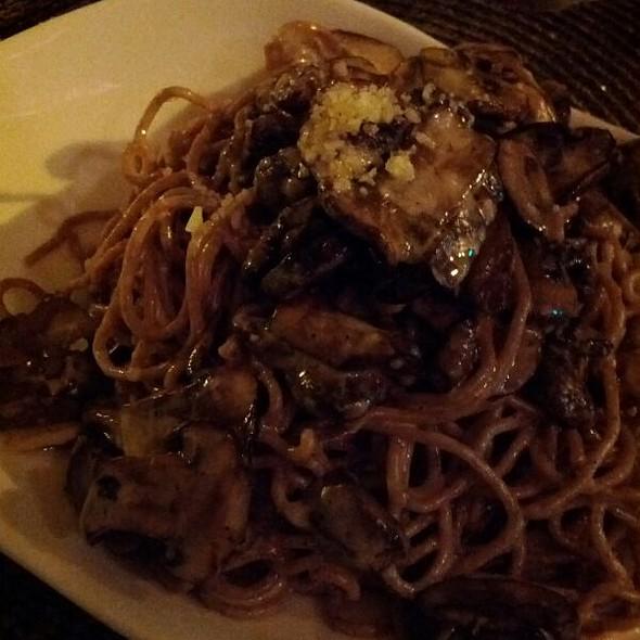 Spaghetti Integral I Con Funghi E Tartufo @ L'Impasto