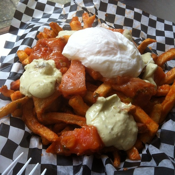 Kennebec Kahuna Poutine @ Between Two Buns