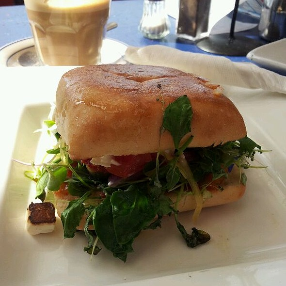 Vegetarian sandwich @ Lazy Lounge