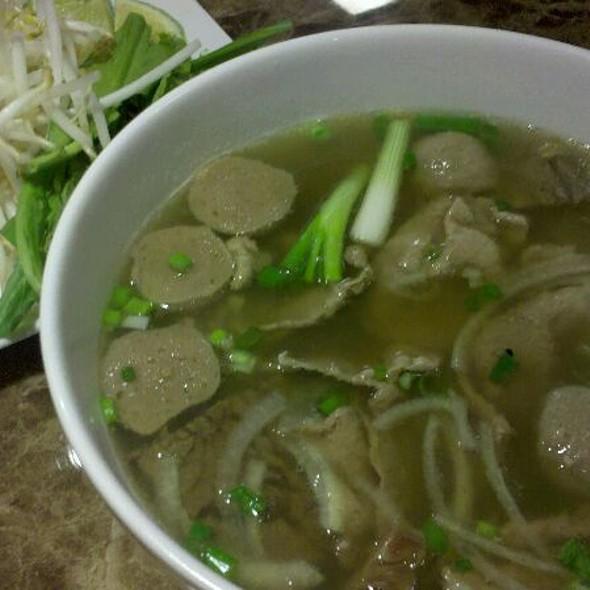 Pho Dac Biet @ Mai Pho