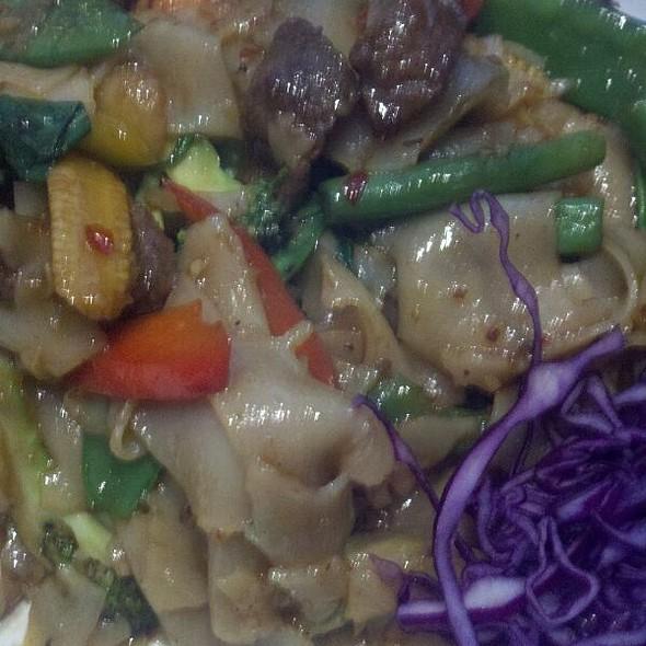 Beef Pad See Ewe @ Banh Thai Restaurant