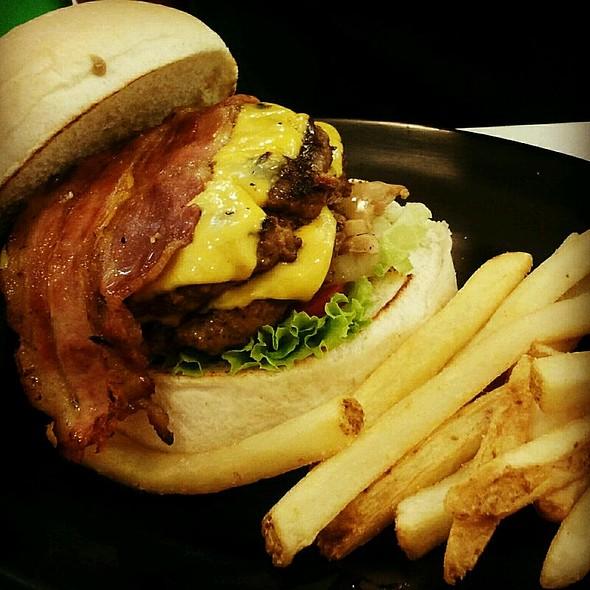 Stone Cold Stunner Burger